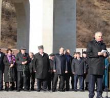 Прошел траурный митинг, посвященный 70-летию депортации карачаевского народа