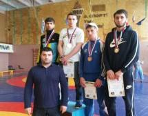 Борцы Карачаевска – лучшие в республике