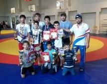 Воспитанники ДЮСШ «Карачаевск» стали победителями Открытого турнира по вольной борьбе