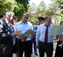 Глава Карачаево-Черкесии осмотрел строящиеся социальные объекты в г. Карачаевск