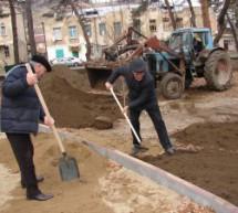 Благоустройство Центрального парка Карачаевска продолжается