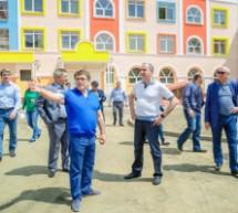 Глава Карачаево-Черкесии  посетил новый детский сад «Красная шапочка», строящийся в Карачаевске