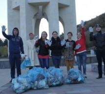 Активисты движения #СтопХлам провели субботник на территории мемориала жертвам депортации карачаевского народа