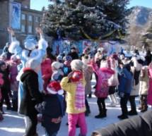 Новогодний утренник на Центральной площади Карачаевска