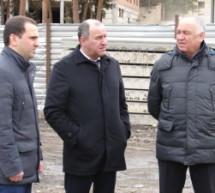 Рашид Темрезов возглавил работу выездного заседания Правительства КЧР Карачаевске