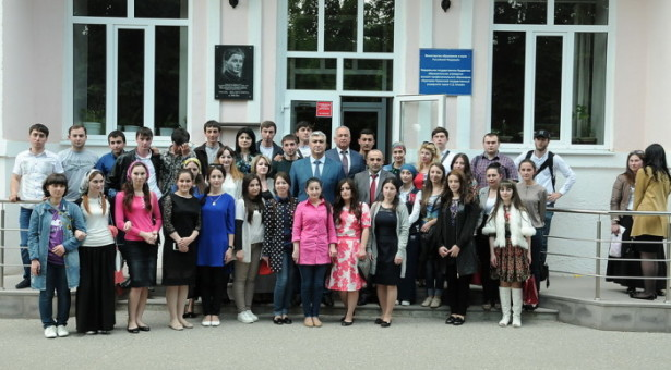 Министр внутренних дел КЧР встретился со студентами и активистами города Карачаевска