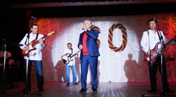 В г. Карачаевске отметили юбилей Казбека Джамбаева