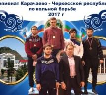 Борцы Карачаевска стали лучшими в Карачаево-Черкесии