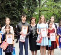 Юные художники Карачаевска стали лауреатами выставки-конкурса ко Дню возрождения карачаевского народа