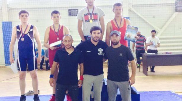 Борцы-вольники Карачаевска успешно выступили на первенстве Карачаево-Черкесии