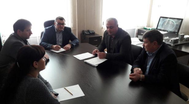 Заместитель начальника Управления охраны окружающей среды и водных ресурсов КЧР Изуан Казаноков провел выездной прием граждан в Карачаевске