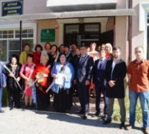 Педагогов музыкальной и художественной школ Карачаевска поздравили с Днем учителя