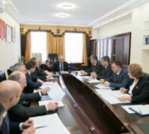 В ходе рабочего визита в Карачаевск Глава республики обозначил перед новым мэром и активом города круг первоочередных задач