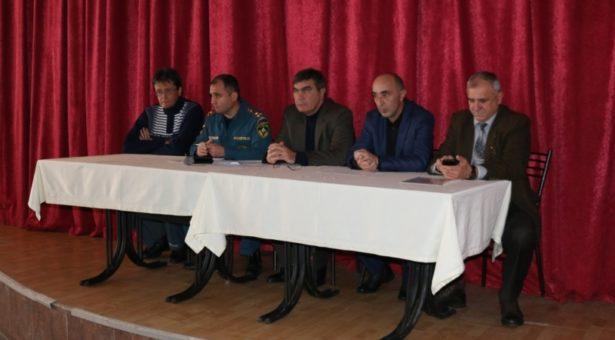 В поселке Домбай прошли  тактико-специальные учения МЧС