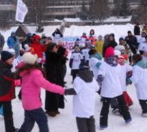 В поселке Домбай  отпраздновали Всемирный День снега