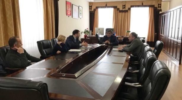 Мэр Карачаевского городского округа провел совещание с представителями ООО «Газпром межрегионгаз Черкесск»