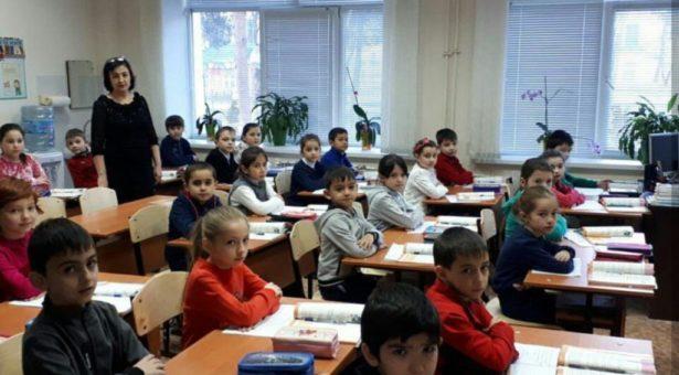 СШ №1 им. Дж. Байрамукова получила в подарок от депутата Народного Собрания (Парламента) КЧР школьную мебель