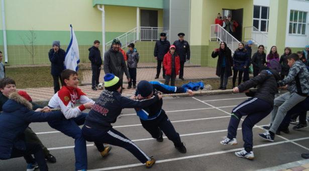В Карачаевске прошло соревнование среди полицейских классов
