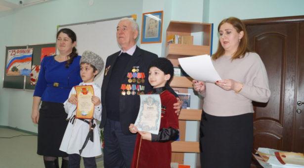В Карачаевске прошел  конкурс чтецов «Горы любят тех, кто любит горы»