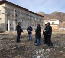 Алик Динаев посетил строящееся в Карачаевске здание многофункционального культурного центра