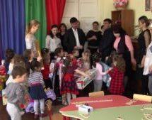 Депутаты Думы Карачаевского городского округа подарили игрушки в детский сад «Теремок»