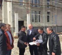 Представители руководства Карачаевска осмотрели строительство многофункционального культурного центра
