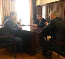 Алик Динаев провел рабочее совещание с послом ГТО по Карачаево-Черкесской Республике Наурузом Темрезовым