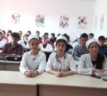 В Карачаевске прошла дискуссия «Свободный микрофон» по проблемам современной молодежи