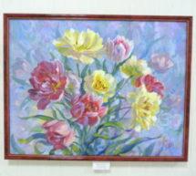 «Цвета и цветы». В Карачаевске открылась весенняя выставка с оптимистичным названием «Радуясь жизни»