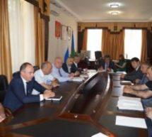 Алик Динаев провел совещание с начальниками управлений и отделов КГО, главами подведомственных учреждений и предприятий