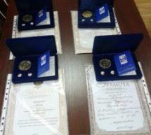 Мэр Карачаевского городского округа Алик Динаев вручил грамоты и медали от организационного комитета по проведению Дня семьи, любви и верности в Российской Федерации