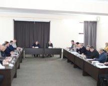 Мэр Карачаевского городского округа Алик Динаев принял участие в совещании по вопросу развития туристско-рекреационного комплекса «Домбай»