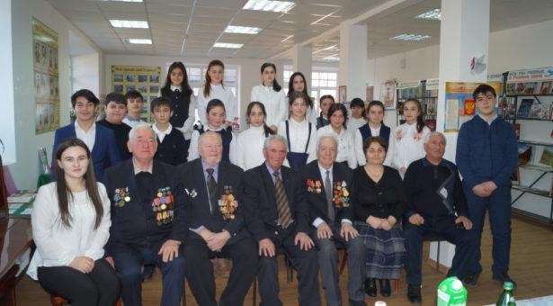 Школьникам Карачаевска рассказали об освобождении перевалов Кавказа и г. Карачаевска от немецко-фашистских войск