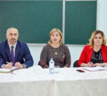 В Карачаевском городском округе проходят встречи с педагогическими коллективами образовательных учреждений