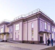 Глава КЧР Рашид Темрезов осмотрел новый Многофункциональный культурный центр