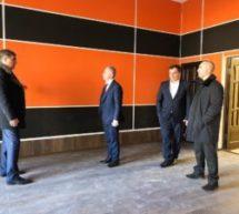 Министр культуры Карачаево-Черкесской Республики Рамазан Бороков в рамках рабочего визита в г.Карачаевск осмотрел Многофункциональный культурный центр