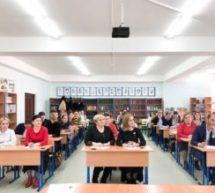 В Карачаевском городском округе написали открытый диктант ко Дню родного языка