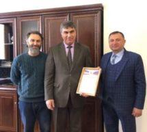 Алику Динаеву вручили Благодарственное письмо за значительный вклад в поддержку и развитие молодых талантов и сохранение культурного наследия страны