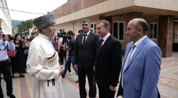 Карачаево-Черкесский государственный университет имени У. Д. Алиева отметил 80-летний юбилей