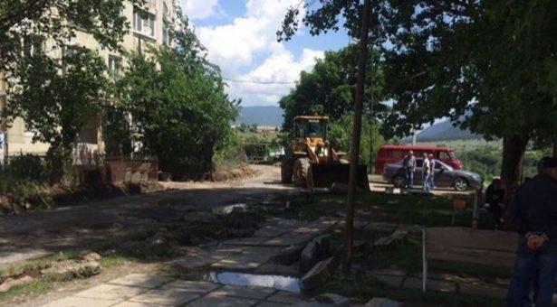 На территории Карачаевского городского округа ведутся работы по благоустройству общественных и дворовых территорий