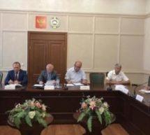 В малом зале Дома Правительства КЧР прошло заседание штаба по обеспечению безопасности электроснабжения Республики