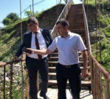 В поселке Мара-Аягъы активно ведутся работы по укреплению пешеходных мостов