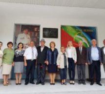 Состоялось открытие мемориальной доски народному поэту Карачаево-Черкесии Азамату Суюнчеву