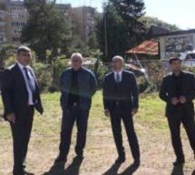 Мэр Карачаевского городского округа Алик Динаев ознакомился с ходом работ по строительству физкультурно-оздоровительного комплекса открытого типа