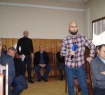 Министр физической культуры и спорта КЧР Рашид Узденов провел в Карачаевске прием граждан по личным вопросам