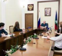 Глава КЧР обсудил текущую эпидемиологическую ситуацию в республике с руководителями СМИ и социальных медиа