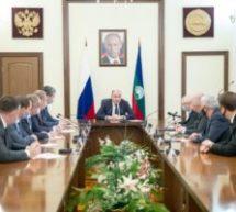 Глава Карачаево-Черкесии Рашид Темрезов провел рабочее совещание с членами Правительства республики