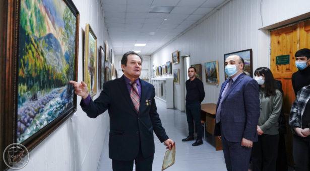 В Карачаевске открылась персональная выставка Петра Шевчишина «Карачай в моем сердце»