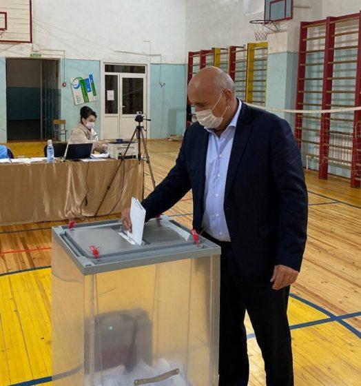 Мэр КГО Альберт Дотдаев принял участие в выборах депутатов Государственной Думы