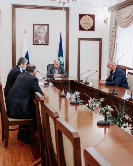 Глава Карачаево-Черкесии Рашид Темрезов встретился с депутатскими фракциями Парламента региона